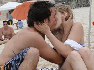 Esse foi o último beijo de Betão e Babi (Foto: Malhação / TV Globo)