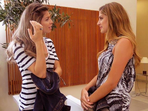 Grazi Massafera conversa sobre coincidências com Marília Boaretto (Foto: Aquele Beijo/TV Globo)