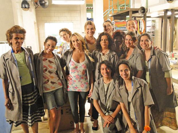 As costureiras da confecção Shunel (Foto: Aquele Beijo/TV Globo)