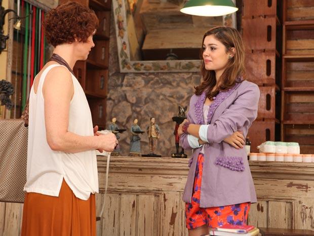 Esther e Amália se tornam sócias (Foto: Fina Estampa/TV Globo)