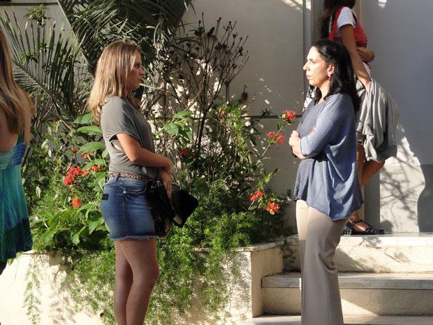 Verinha conversa com a diretora (Foto: Malhação/TV Globo)