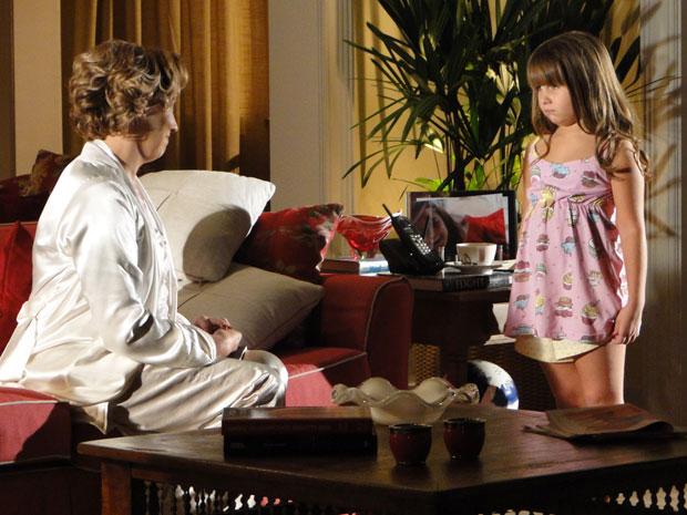 Eva diz para Júlia que Manu roubou Rodrigo de Ana (Foto: A Vida da Gente - Tv Globo)