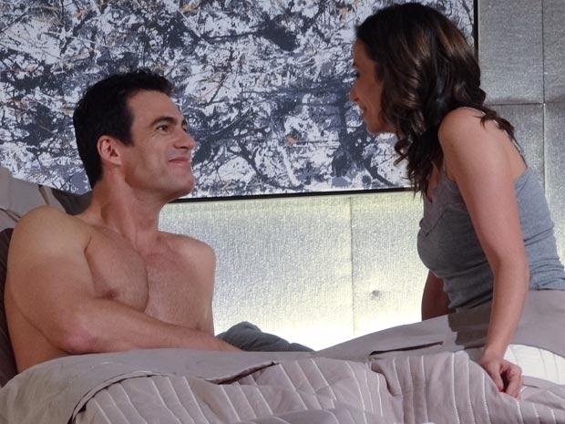 Apaixonados, eles falam em casar e ter filhos (Foto: Fina Estampa / TV Globo)