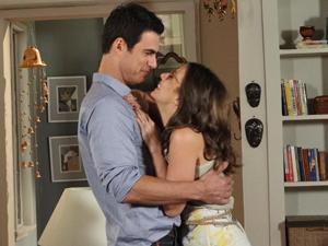 Juan e Letícia fazem juras de amor (Foto: Fina Estampa/TV Globo)