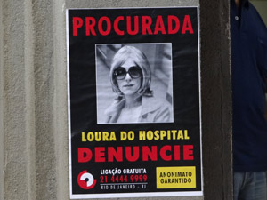 "Polícia procura a ""Loura do Hospital"" (Foto: Fina Estampa/TV Globo)"