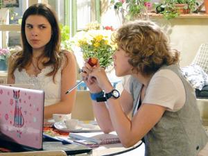 Cristal e babi ficam sem reação (Foto: Malhação / TV Globo)