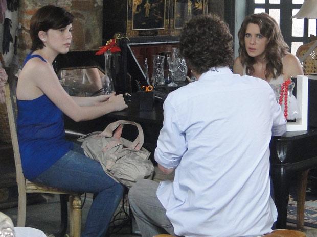 Gabriel diz que a ideia foi dele e Laura fica decepcionada com o rapaz alexia (Foto: Malhação / TV Globo)