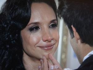 Raíssa se emociona com Sebastião (Foto: Aquele Beijo / TV Globo)