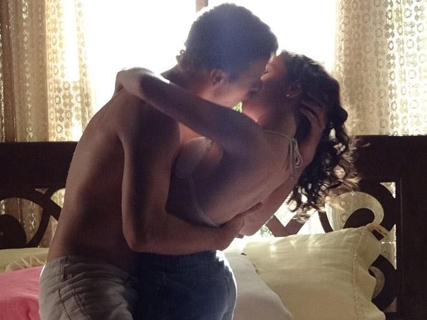Patrícia e Alexandre se amam (Foto: Fina Estampa/TV Globo)
