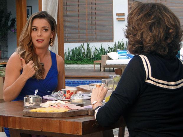 Cris diz para Vivi Mourão que vai chamar a atenção de Matias (Foto: A Vida da Gente - Tv Globo)