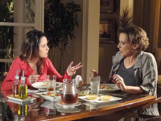 Eva surpreende e diz que vai passar o natal na casa de Manu (Foto: A Vida da Gente - Tv Globo)