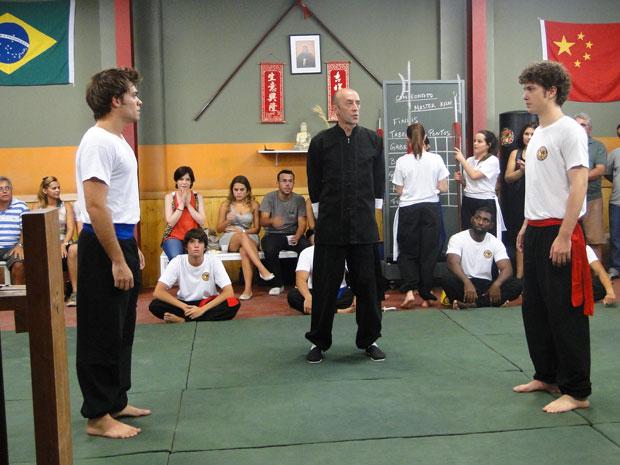 Gabriel e Betão se preparam para a final no Kung Fu (Foto: Malhação/TV Globo)
