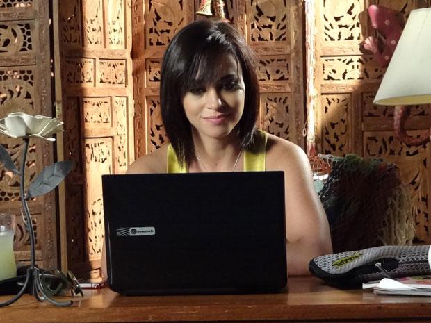 Marcela gravou o vídeo antes de se encontrar com Tereza Cristina (Foto: Fina Estampa/TV Globo)