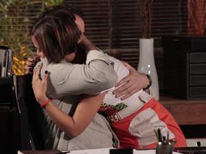 Vanessa pede mais tempo (Foto: Fina Estampa/TV Globo)