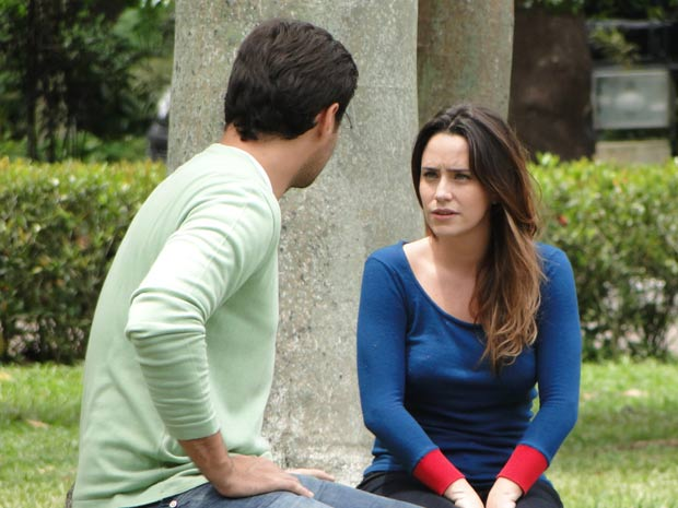 Ana é sincera com Lúcio (Foto: A Vida da Gente / TV Globo)