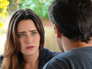 Ana se desculpa por ter passado por cima dos sentimentos de Lúcio (Foto: A Vida da Gente - Tv Globo)