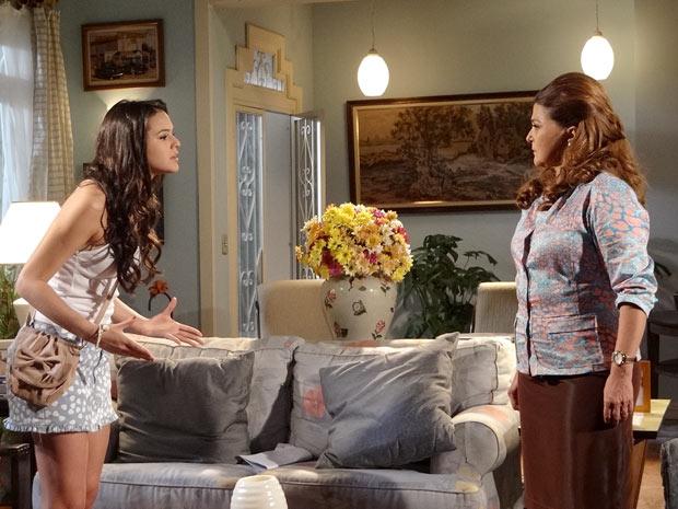 Belezinha e Íntima (Foto: Aquele Beijo/TV Globo)