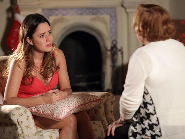 Desesperada, Ana pede para a avó ajudá-la a conversar com Manu (Foto: A Vida da Gente - Tv Globo)