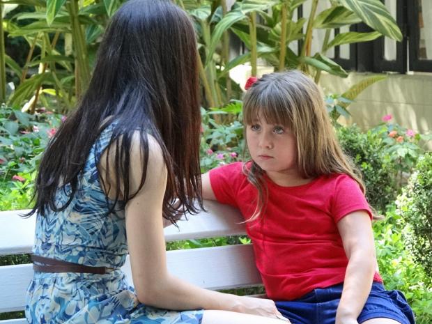 Júlia pede para voltar a morar com Manu (Foto: A Vida da Gente/TV Globo)