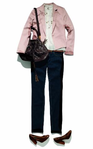 Combinação de blazer e calça jeans é uma das marcas da personagem (Foto: C&A)
