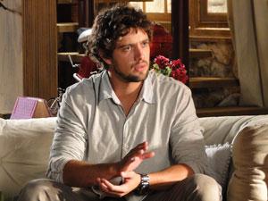 Rodrigo pede para Manu pensar em Júlia (Foto: A Vida da Gente - Tv Globo)