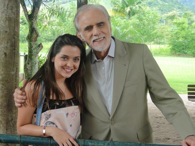 Francisco Cuoco e Polliana Aleixo viverão pai e filha na trama (Foto: A Vida da Gente/TV Globo)