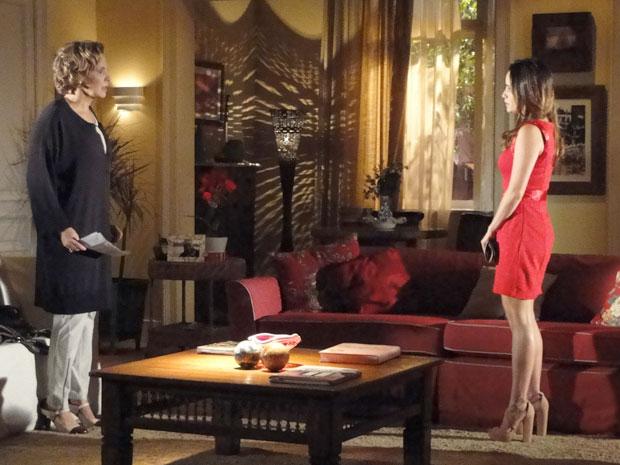 Eva fica revoltada por Manu ter suspendido o dinheiro que mandava por mês (Foto: A Vida da Gente - Tv Globo)