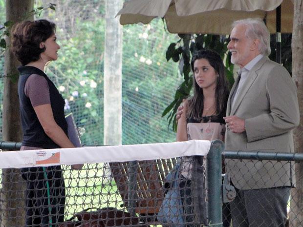 Mariano conhece Vitória e a convida para ser treinadora de Cecília (Foto: A Vida da Gente - Tv Globo)