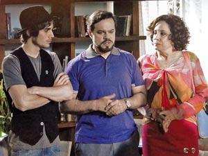 Felizardo e Locanda concordam (Foto: Aquele Beijo/TV Globo)
