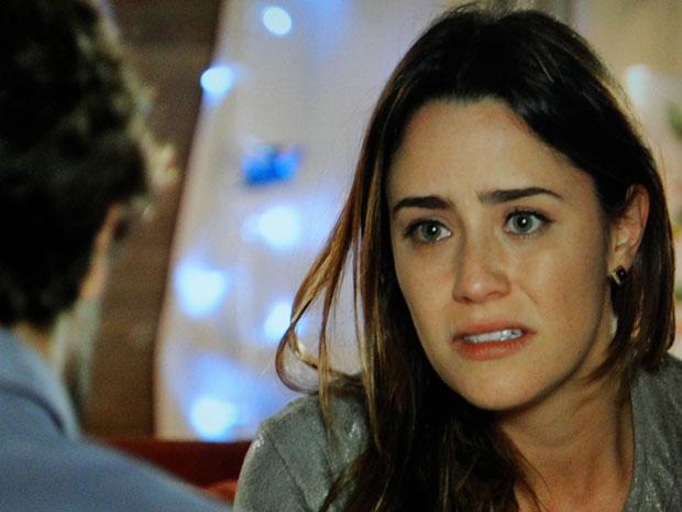 Ana diz a Rodrigo que não vai ocupar o lugar de Manu (Foto: A Vida da Gente - TV Globo)