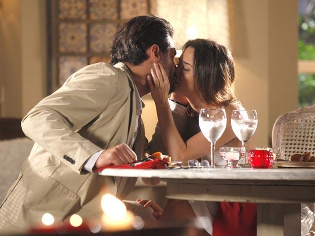Lúcio diz que ama Ana (Foto: A Vida da Gente / TV Globo)