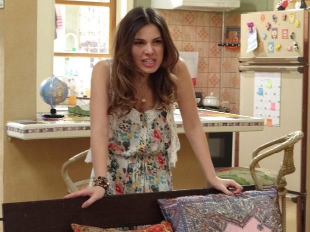 Cristal tem um surto de ódio, quebra tudo e promete se vingar de Gabriel e Alexia (Foto: Malhação / TV Globo)