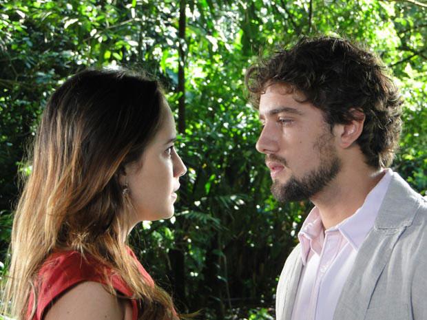 Os dois se rendem à paixão de anos (Foto: A Vida da Gente/TV Globo) (Foto: A Vida da Gente/TV Globo)