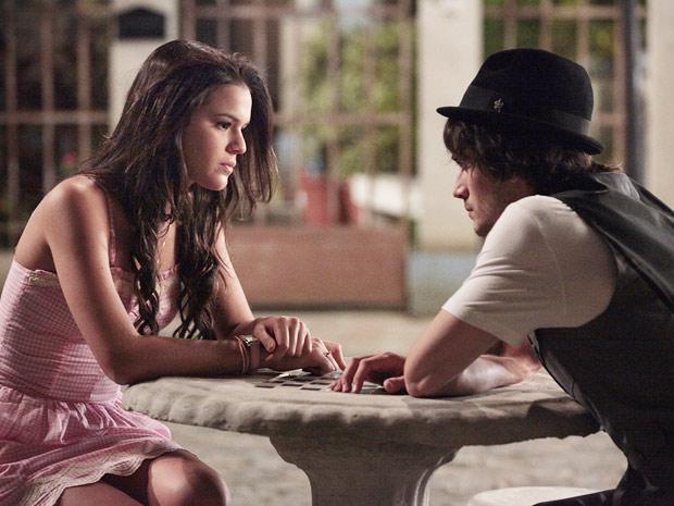 Belezinha diz para Agenor que não o ama mais (Foto: Aquele Beijo / TV Globo)