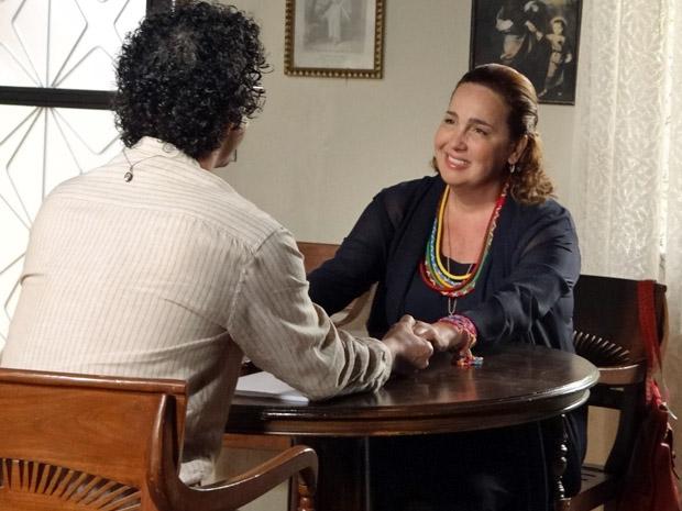 Iara vai encontrar com Joselito (Foto: Aquele Beijo/TV Globo)