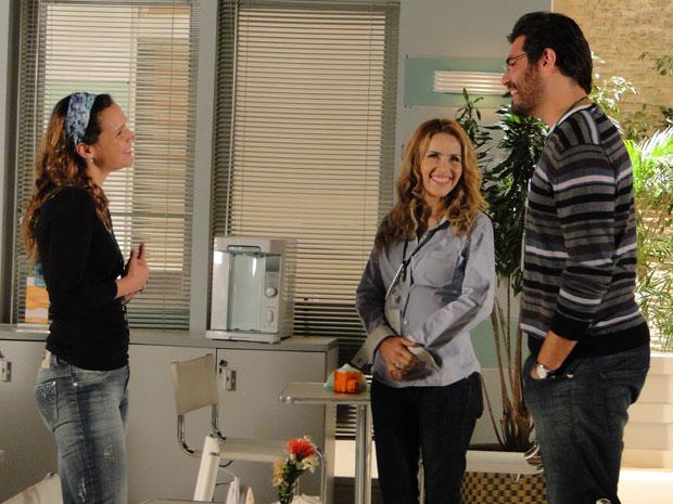 Lúcio reencontra Laura no hospital (Foto: A Vida da Gente - Tv Globo)