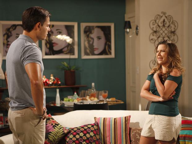 Camila avisa a Ricardo que não gosta de Bernadete e quer a guarda de Flavinho (Foto: Aquele Beijo/TV Globo)