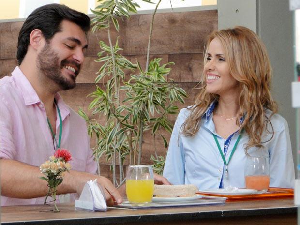 Apesar do término recente do namoro com Ana, Lúcio parece renovado (Foto: A Vida da Gente / TV Globo)