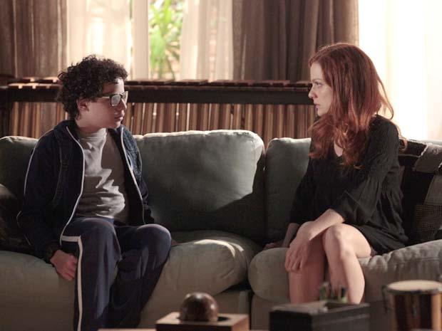 Nanda tem uma difícil conversa com Francisco (Foto: A Vida da Gente / TV Globo)