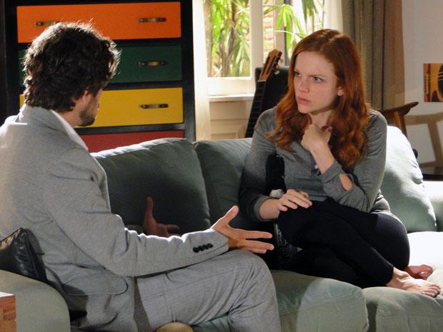 Nanda fica indignada e diz que não sabe cuidar nem dela mesma (Foto: A Vida da Gente - TV Globo)
