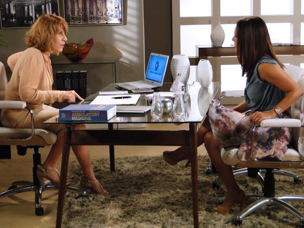 Danielle faz pressão em Glória (Foto: Fina Estampa/TV Globo)