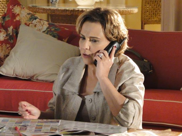 Eva se rende e procura emprego (Foto: A Vida da Gente / TV Globo)