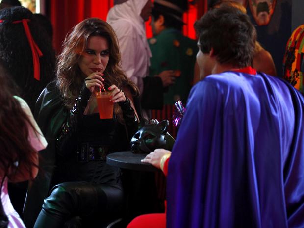 Guido e Natália festa à fantasia Malhação (Foto: Malhação / TV Globo)