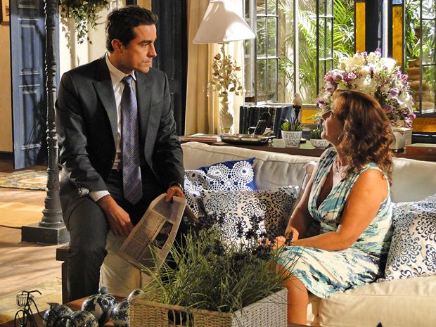 Vicente garante que não vai desistir de Claudia por causa de Rubinho (Foto: Aquele Beijo/TV Globo)