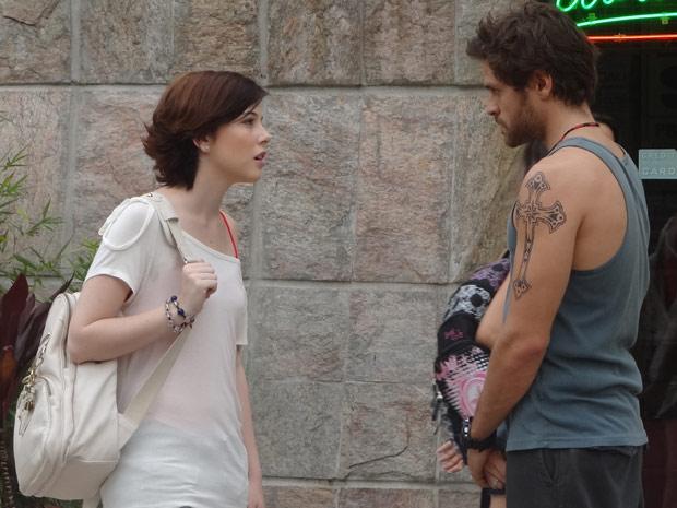 Moisés conta para Alexia que foi ele que armou a surra para cima de Gabriel (Foto: Malhação / TV Globo)