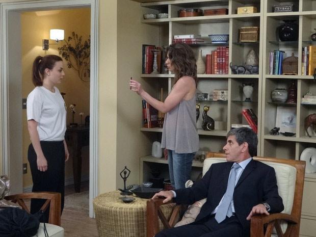 Laura e Guido dão sermão em Débora, mas ela não entrega o pai - guido beijo foto flagra (Foto: Malhação / TV Globo)