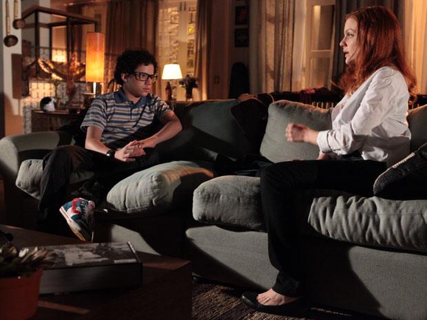 Nanda não aceita morar com Francisco (Foto: TV Globo / Gui Maia)