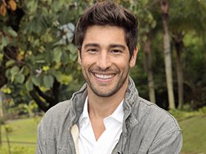 Victor Pecoraro aposta que Yuri será o Anjo da semana (Foto: Aquele Beijo/TV Globo)