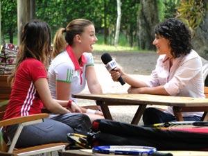 Primeira entrevista de Sofia ao lado de Ana Fonseca (Foto: A Vida da Gente/TV Globo)