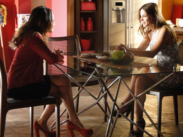 Alice pede a ajuda de Ana para se aproximar de Sofia (Foto: A Vida da Gente - TV Globo)